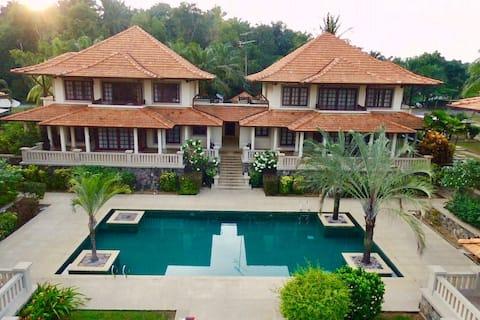 Resort Style Unit at Sebana Cove, Pengarang