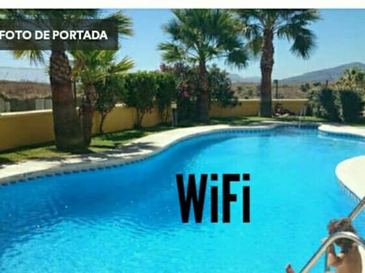 Coqueto estudio con acceso a piscina.