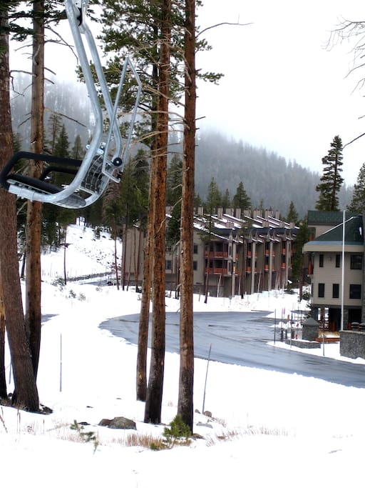 Location - Cornice Express in foreground of townhomes