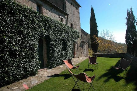 Fantastic Villa in the heart of Val d'Orcia - Sarteano - วิลล่า