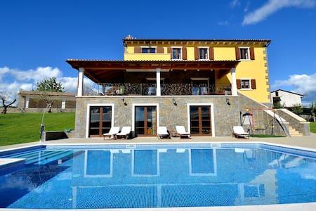 Villa Maslina -luxury Villa - Buzet - Villa