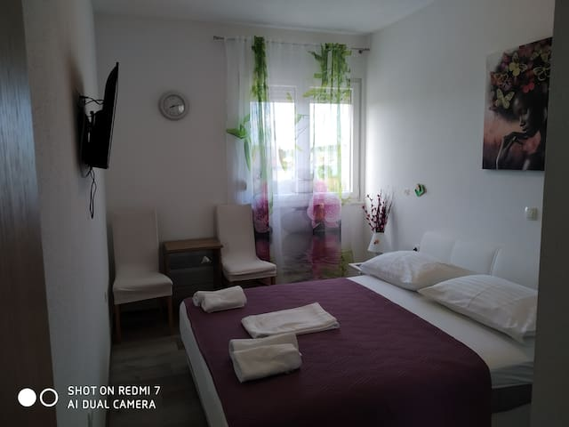Two Rooms Milena