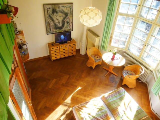 Blick von oben von der Hochetage in die Wohnung