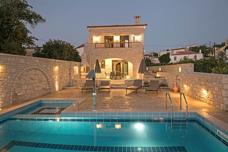 Brand New Pool Villa Semeli in a Quiet Location - Rethymno