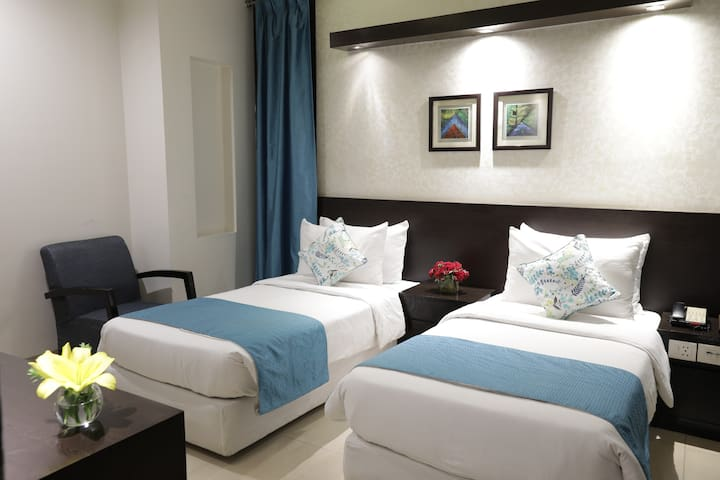 Deluxe Room for 2 People @ Rockland Hotel C R Park