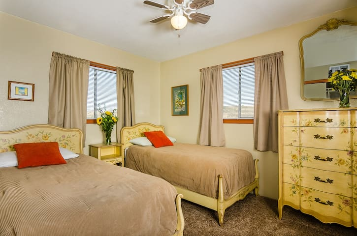 Twin Room at The Roost