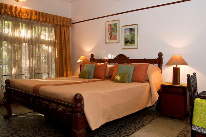 Enjoy the comforts of a home.Room2