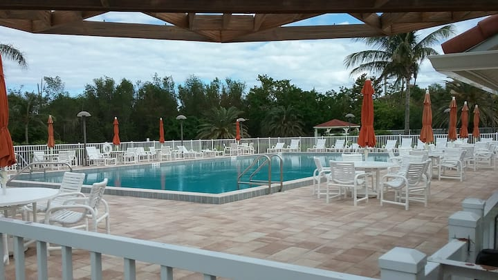 Jensen Bch Club, Monthly 2 BR Furnished Condo+Pool