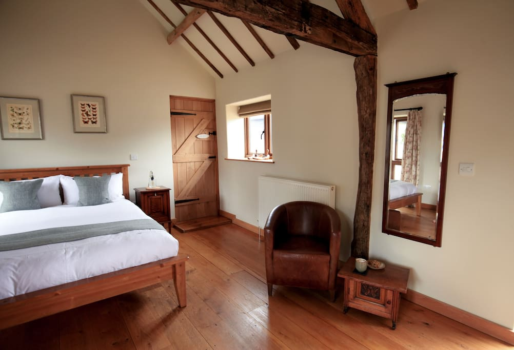 Spacious double bedded room