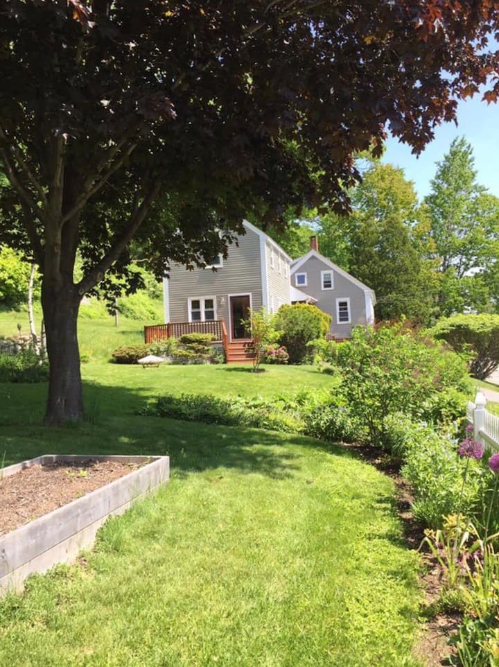 Year round home in South Freeport, Maine