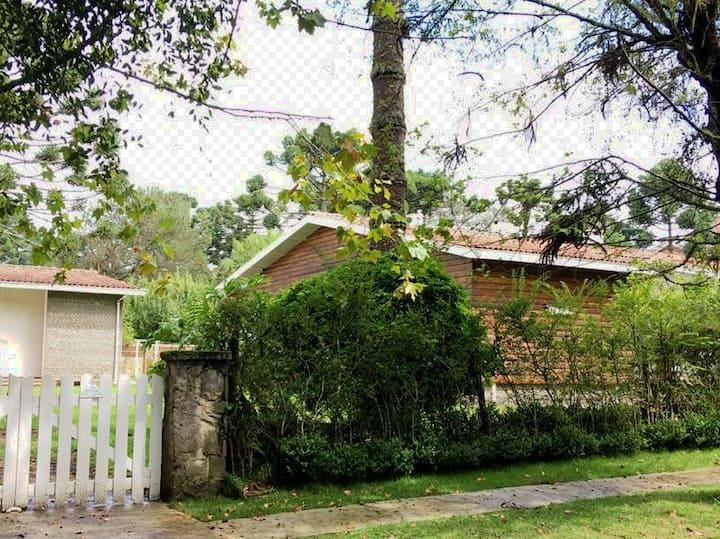 Casa do sol no centro do Capivari