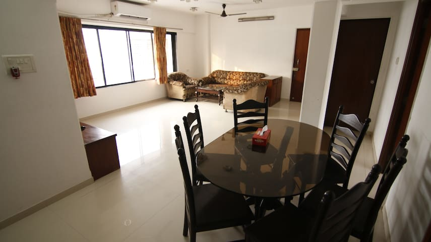 Full furnished 3 bedroom apartment in Bandra East.
