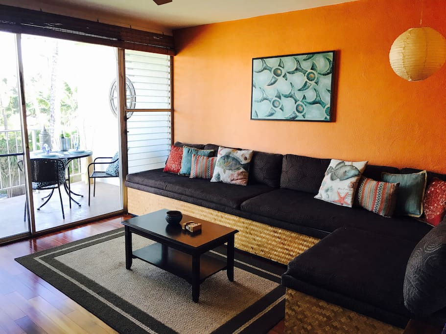 Living room opens to lanai