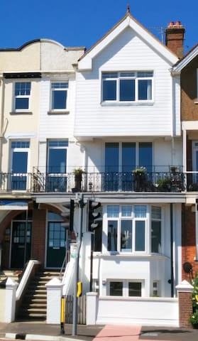 Racing Greens Garden Apartment - Littlehampton - Apartamento