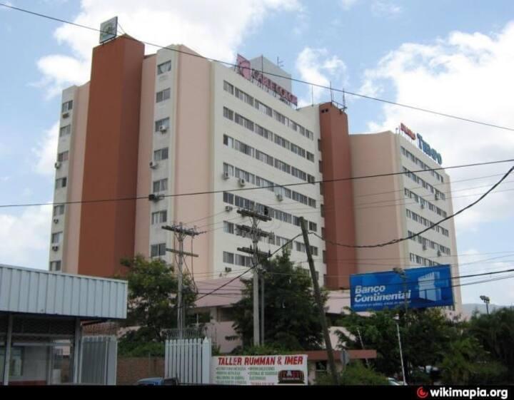 Edificio Continental, Miramontes