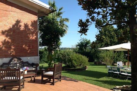 Villa in the Countryside 70km Roma  - Sezze - Casa de campo
