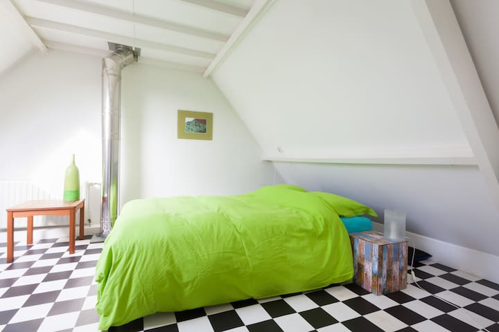 Comfortable rooms in a familyhouse - Zutphen - Hus