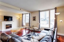 Lovely 2BR Flat In Old Montreal
