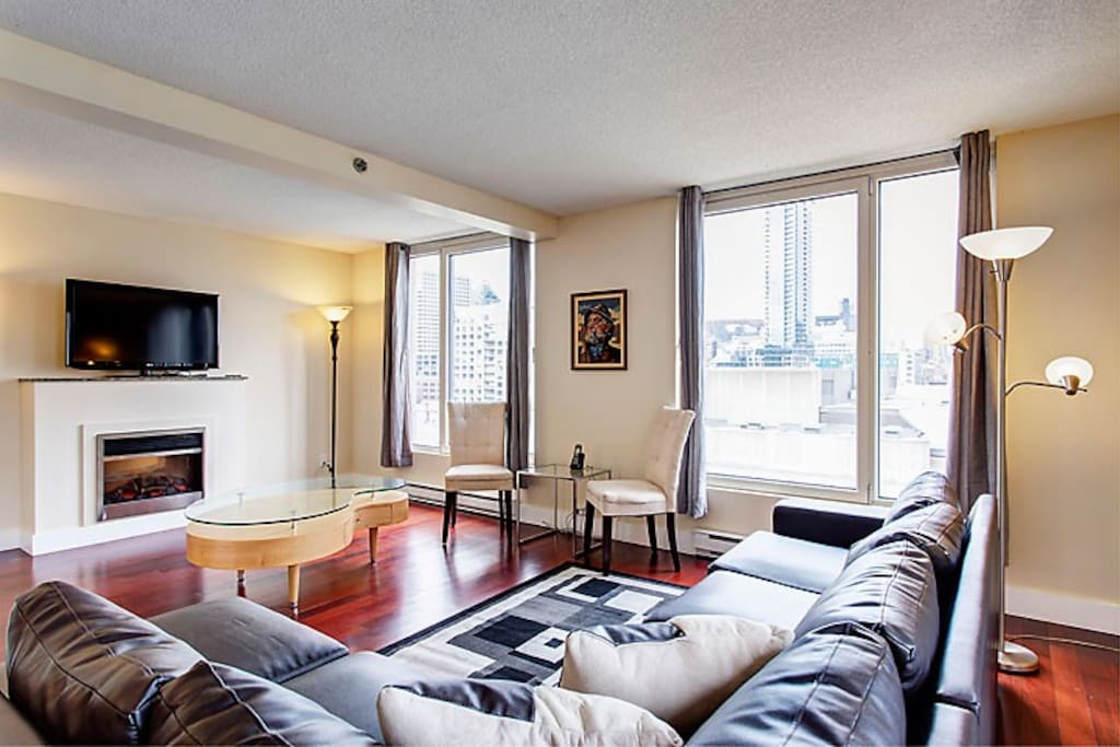 Glamorous Two Bedroom Suite 3 Apartments For Rent In Montreal Quebec Canada