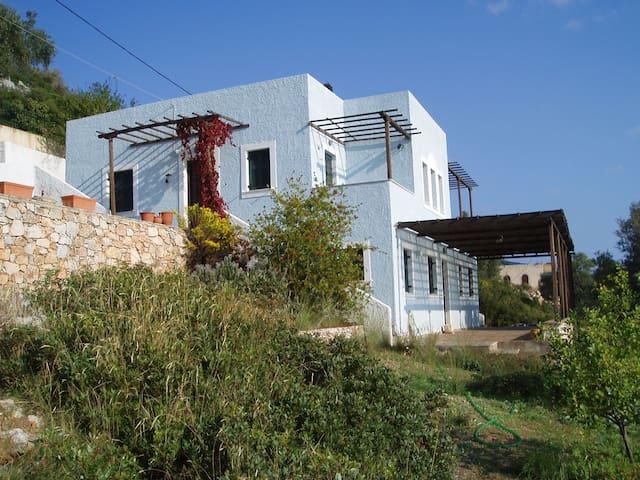 Unique villa with private beach  - Alonissos - House