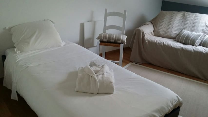 Le Prana METZ-Chambre simple (1p.) - Rozérieulles - Bed & Breakfast