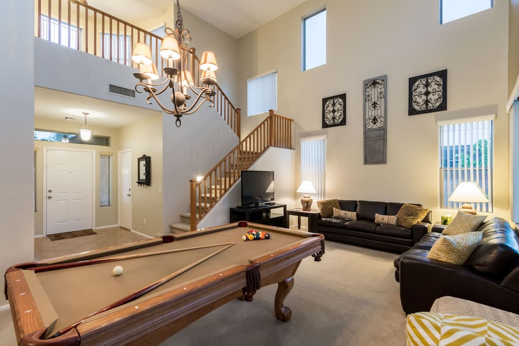 22 ft ceilings loft and pool table
