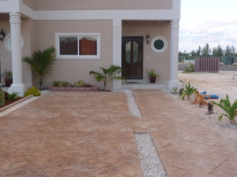 Transformation of the Driveway and walkway.
