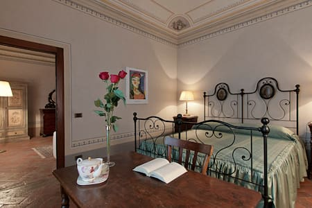 B&B VillAmorosa  - Suite Giovanna - Caprona - Bed & Breakfast