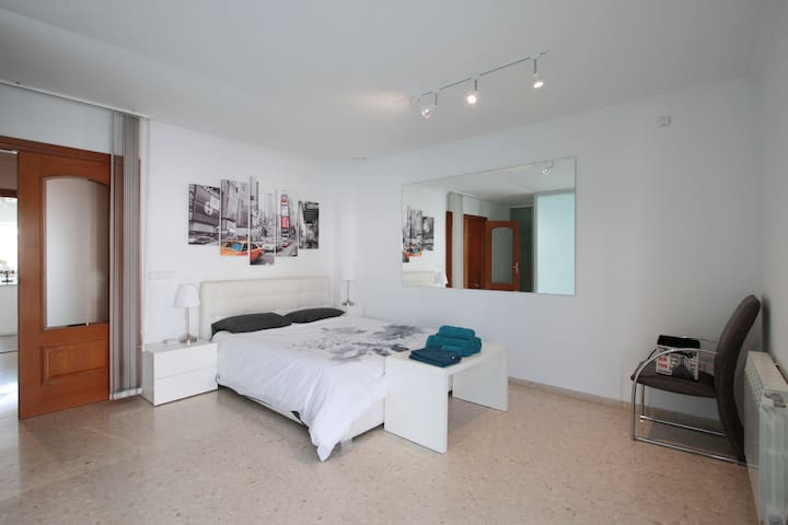 Modern big Suite (24m²) at 5min of Sitges - Sant Pere de Ribes - Apartmán pro hosty
