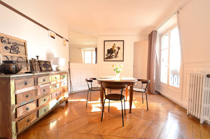 Views, 6 rooms, 120m2 : large, bright & beautiful!