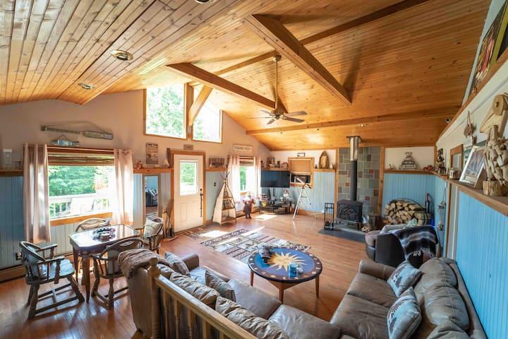 Roscoe Cozy Cabin in the woods- Pet Friendly WiFi