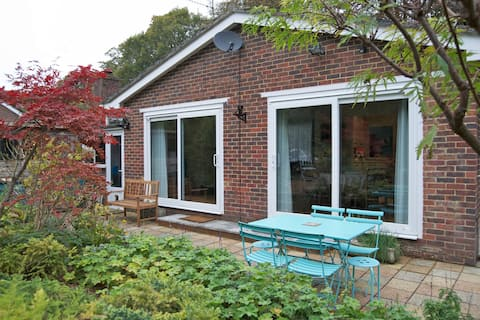 2BD holiday home in Sussex village