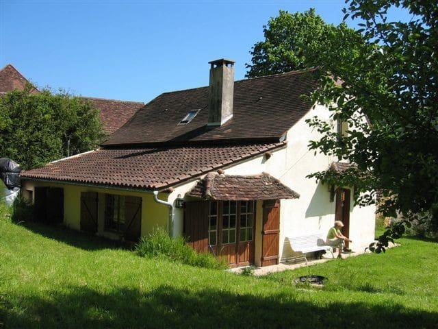 AGREABLE MAISON PERIGORD NOIR calme - fleurac - House