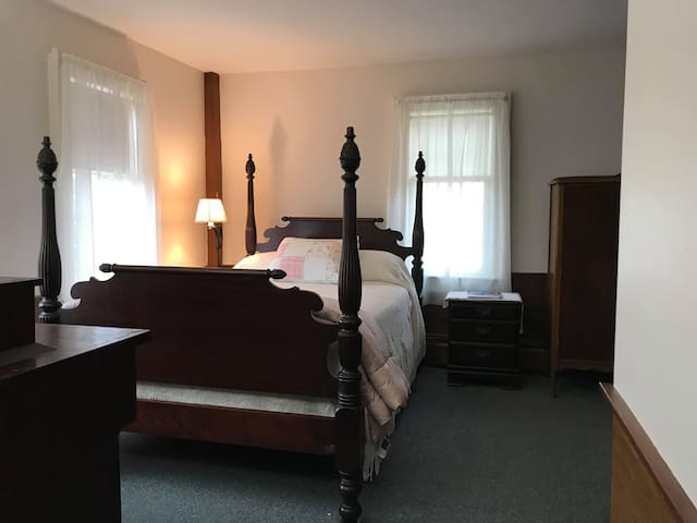 1 double bed, Private Bath, #2