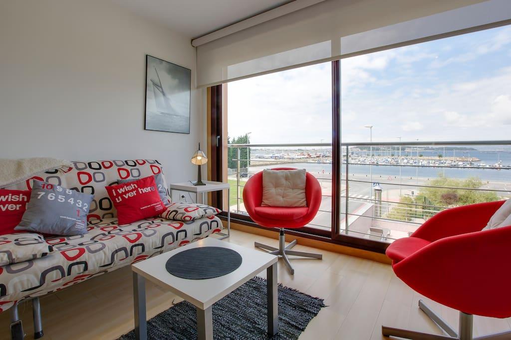 Apartamentos con impresionantes vistas al mar apartamentos con servicios en alquiler en - Apartamentos rias bajas ...
