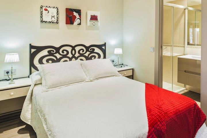 Habitación y baño privada Pirineos - Biescas - Dom