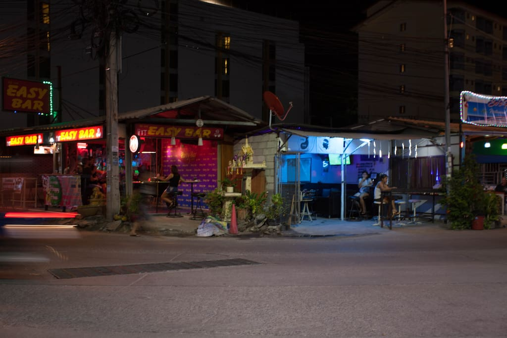 Local restaurant with sit girl By South Pattaya night life city