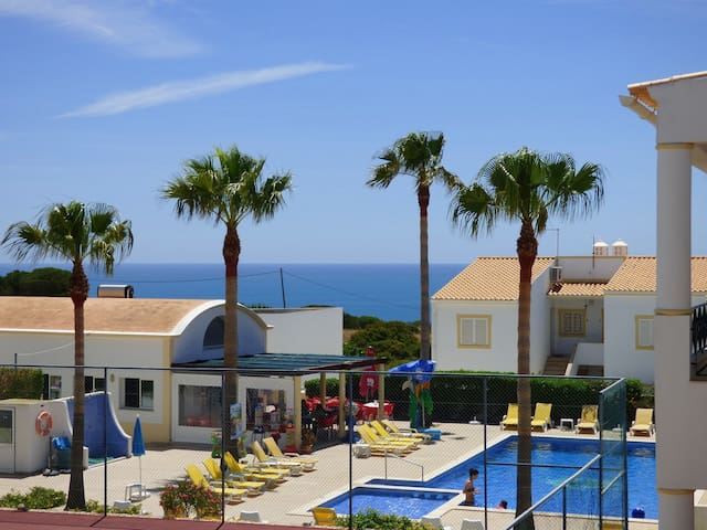 Delightful Apartment With Large Veranda/Sea Views