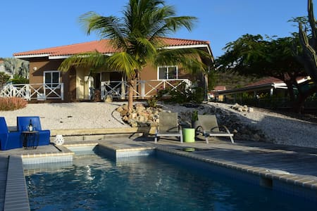 Detached Bungalow Trupiaal with pool + jacuzzi