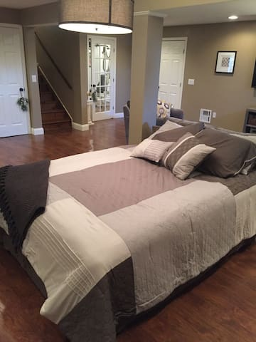 Comfy Private Basement Suite - Ephrata - Hus