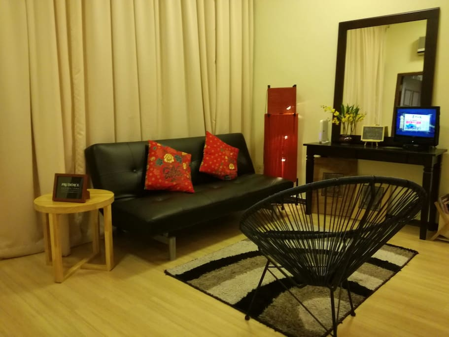 Living area (pic 2)