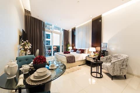 Stunning Apartment by Dubai Mall & Burj Khalifa 5★