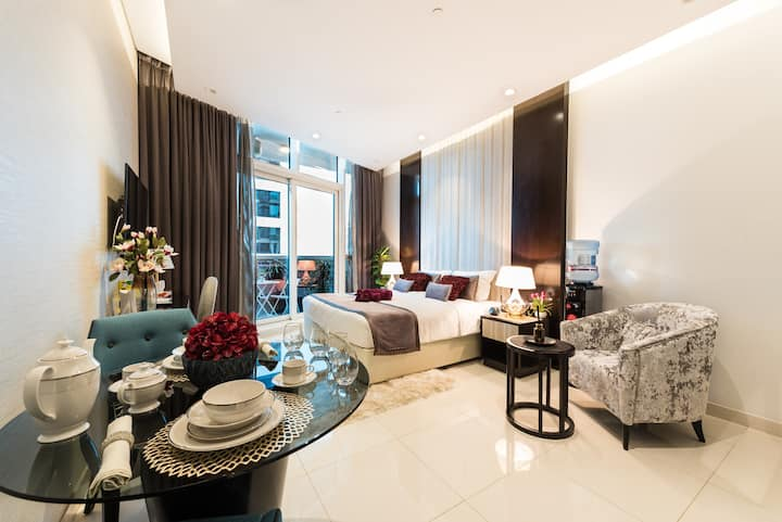 Stunning Apartment by Dubai Mall & Burj Khalifa 5★