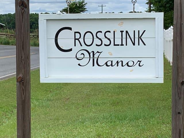 Crosslink Manor-Blue Room