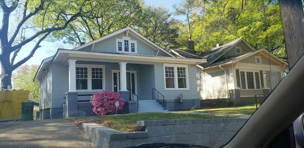 Beautiful Modern Home 5 Mins from Heart of City