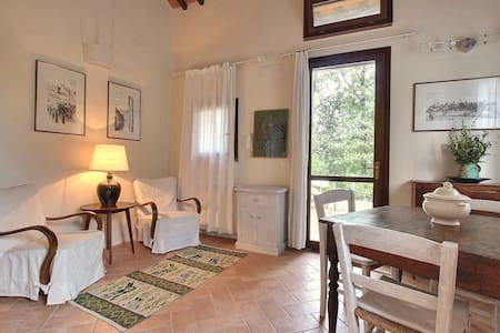 Gelsomino Cottage  near Firenze,San Gimignano,Sien - Il Castagno - House