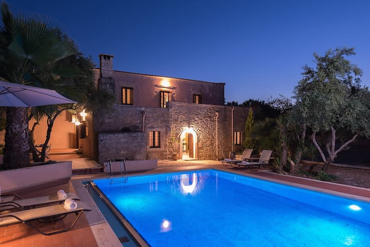The Quintessential Cretan Villa