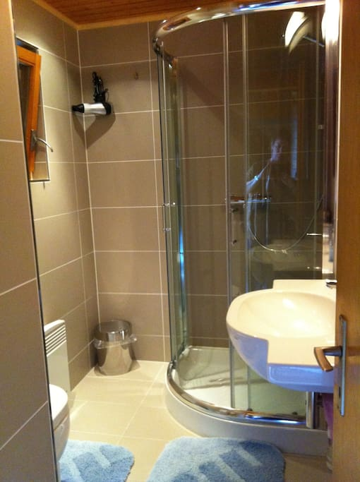 bathroom with shower *new