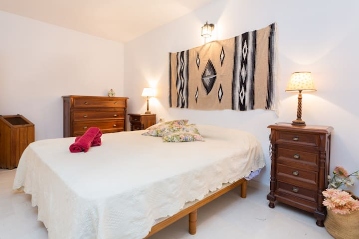 Charming & cozy wifi, friendly Tenerife South room - San Miguel de Abona - Haus
