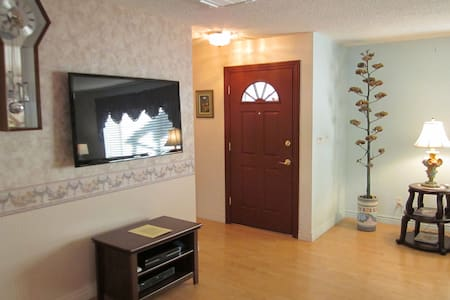 Room type: Entire home/apt Property type: House Accommodates: 8 Bedrooms: 4 Bathrooms: 2